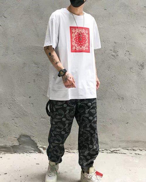 《2色》バンダナ柄ペイズリー HIPHOP Tシャツの画像1